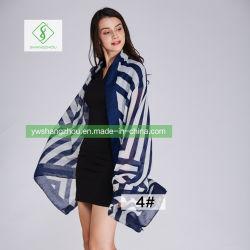新しいヨーロッパの綿のリネンショールのScarf斜めの格子方法女性