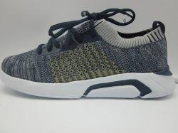 La Chine fait sur mesure en usine de chaussures Sneaker exécutant les hommes Les chaussures de sport