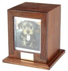 Cofanetti funerei di legno con la finestra della foto
