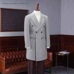 冬のウールのコートの人の余暇の毛織のコートの人のオーバーコート