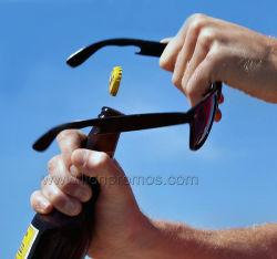 熱い夏のオープナが付いている昇進のギフトのサングラス
