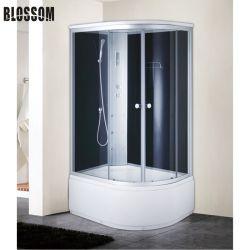 Bagno turco con doccia, massaggio con vetri trasparenti scorrevoli