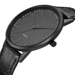 製造業者カスタムOEMの最小主義の人の革黒の金属の箱の黒の腕時計