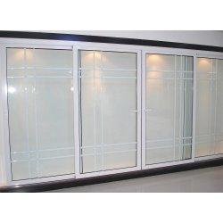 Fenêtre de la grille de calandre porte en plastique de conception et de la porte