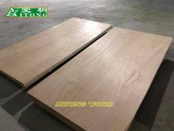 家具または装飾材料としてエンピツビャクシンの合板
