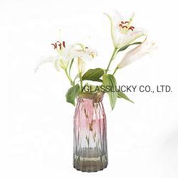 家の商品の結婚式のセンターピースの飾る着色された透明なガラス花