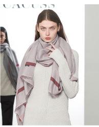 De Sjaal van de Sjaal van in het groot Dame Cacuss in een Goede Kwaliteit 2