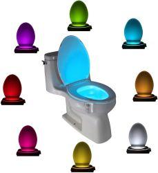 Toilettes nuit un léger mouvement activé voyant LED 8 couleurs changer cuvette des toilettes pour salle de bains de veilleuse