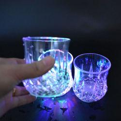 Пластиковый воды в жидкой фазе включается светодиод мигает пластмассовый сосуд для оптовых