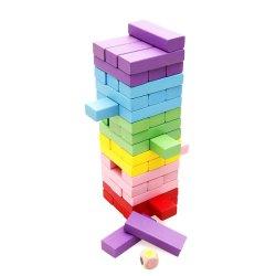 Bunter hölzerner Regenbogen, der Brettspiel-Baustein-Spielzeug stapelt