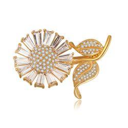 18Kシャンペンの金によってめっきされるヒマワリCZの水晶スカーフの黄銅のブローチ