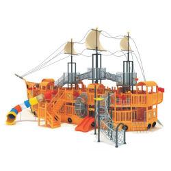 Piscina&Navio Pirata de madeira estilo interior do equipamento de slides no parque de diversões para crianças