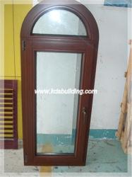 開き窓の入り口の現代アーチデザイン内部の木製のドア