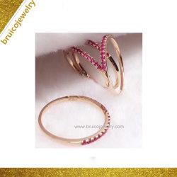 Kundenspezifische Ring-Goldschmucksachen der Edelstein-Schmucksache-Form-925 silberne mit Rubin
