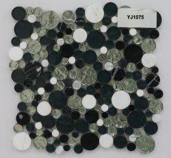 Rundes Glasmischungs-Stein-Schwarzweiss-Mosaik mit preiswertem Preis von der China-Fabrik
