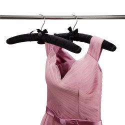 La vente en gros de satin noir robe de cintres rembourrés