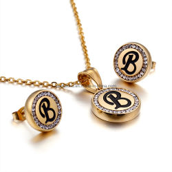 New Fashion 26 Brieven 18K Gold Jewelry 316L roestvrij staal Diamond Alphabet Hanger Charm Letter Initial ketting korte charme ketting Oorring set