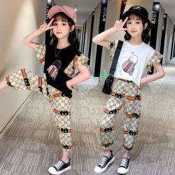 Pantsuit a due pezzi casuale di modo di estate di nuovi sport delle ragazze. Usura dei capretti. Vestiti della ragazza. Vestiti dei bambini. Usura dei bambini. Vestiti dei capretti. Abbigliamento dei bambini