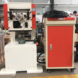 高精度サーボNCロール送り装置力出版物の送り装置機械