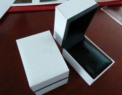 전자 미터 전자 시계 세라믹 시계 (YS1019A)를 위한 호화스러운 가죽 시계 포장 상자 전시 저장 상자