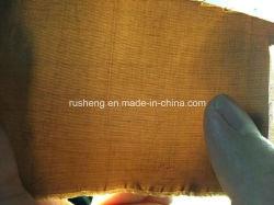 Dünnes und dickes, flauschiges Polyester-Garn