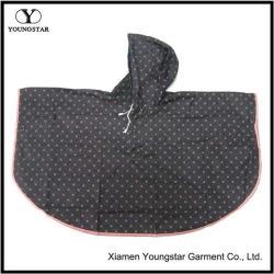 Haute qualité polyester enduit PVC imperméable de façon durable la pluie Poncho / Raincape pour les enfants