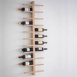 En la pared de madera estante de vino botella de vino de la cremallera de la pantalla