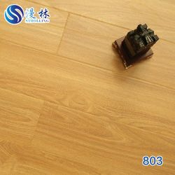 多層設計された床/Oak/Ash/Elm/Ipe/Walnutは油をさされたSolidwoodか堅材にブラシをかけた