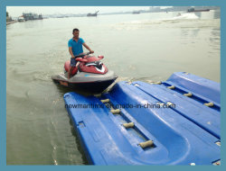 Lancha Dique Flotante / utiliza para levantar el Jet Ski