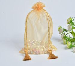 De gouden Zak van de Gift Organza met de Zak van de Gunsten van het Huwelijk van Drawstring Organza van Leeswijzers
