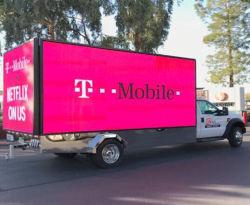 屋外P6 P8 P10のトラックのLED表示移動式ビデオLEDはデジタル広告に署名する