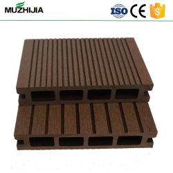 Im Freien quadratisches HöhlungWPC Decking Belüftung-Holz ausgeführter Bodenbelag