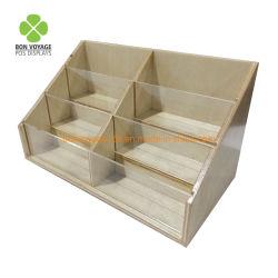 L'acrilico del controsoffitto compone il banco di mostra di legno del rossetto cosmetico della visualizzazione