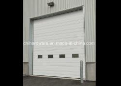 木製のガレージのドアか部門別のガレージのドア