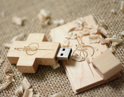 Новый дизайн логотипа Customzied христианских флэш-накопитель креста деревянные флэш-накопитель USB