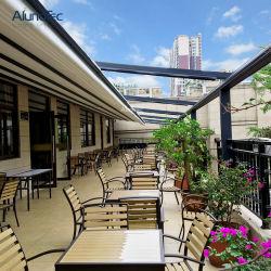 Capota retráctil de PVC moderno Restaurante motorizado impermeável Toldo exterior com luz de LED ou tela lateral