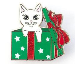 Kundenspezifischer harter Decklack-Funkeln-Katze-Decklack steckt beste Preis-Embleme fest