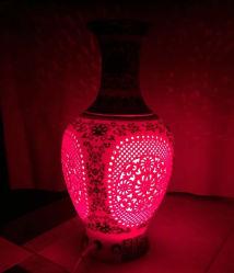 Van de LEIDENE van de afstandsbediening Lamp de Kleurrijke Lichtblauwe en Witte Vazen van het Porselein