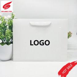 Hot la vente de différentes couleurs sac cadeau de papier personnalisé par chaîne