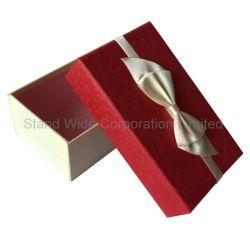 Die Papierschmucksache-Geschenke, die Kasten für Schmucksachen verpacken, Anzeigen-Überwacht, Halskette, Ringe