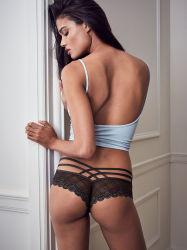 Venta caliente Hollow Puntilla perfecta señoras lenceria sexy mujer Panty