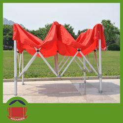 Pliage de couleur rouge jusqu'tente pour utiliser d'exposition extérieur