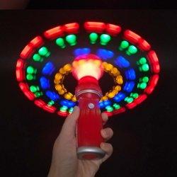 Het Licht die van Kerstmis omhoog LEIDENE van het Stuk speelgoed van de Bal Opvlammende Lichte Stok spinnen