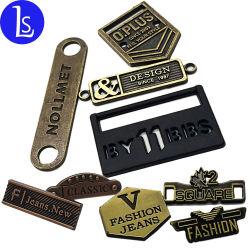 衣類のハンドバッグのためのカスタムブランドのロゴのラベルの金属の振動こつの札