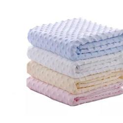 新生のための100%年のポリエステルMinkyの点の赤ん坊毛布