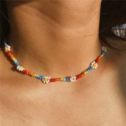 De Boheemse Kleurrijke Halsband van de Juwelen van de Vrouwen van de Ketting van het Sleutelbeen van de Kraag van de Verklaring van de Halsband van de Nauwsluitende halsketting van de Bloem van de Parel van het Zaad Korte