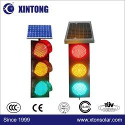太陽電池パネルが付いている太陽無線電信LEDの交通信号ライト