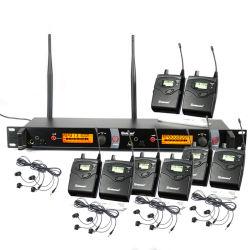 8 La surveillance du système Bodypacks dans les oreilles de son système de microphone sans fil M-2050 dans l'oreille surveille le casque