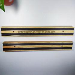 強い磁石が付いている強力な壁に取り付けられた磁気ナイフラック