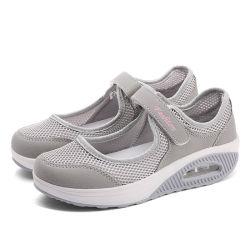 Hellosportのカスタム女性の歩く通気性の快適な適性の動揺の網のプラットホームのヴェルクロポンプ振動はスニーカーの靴を詰め込む